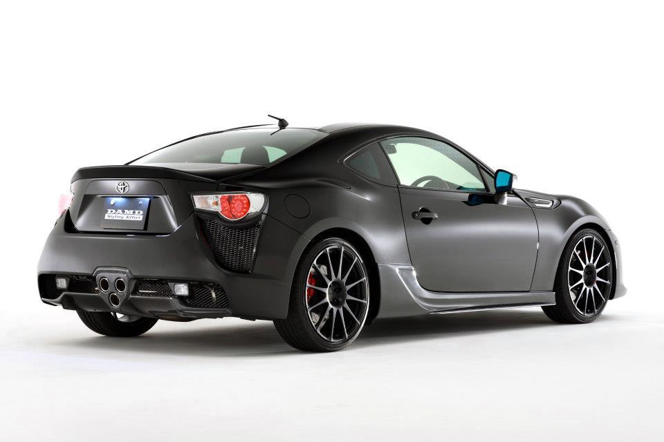 S0-Insolite-une-Toyota-GT86-qui-se-prend-pour-une-LFA-284027.jpg