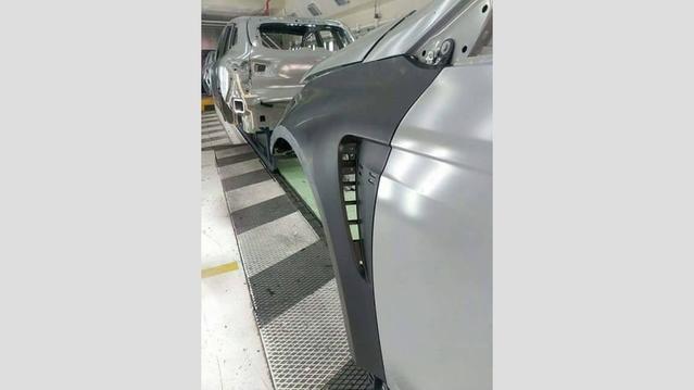 Surprise : voici une partie de la Renault Mégane 4 RS