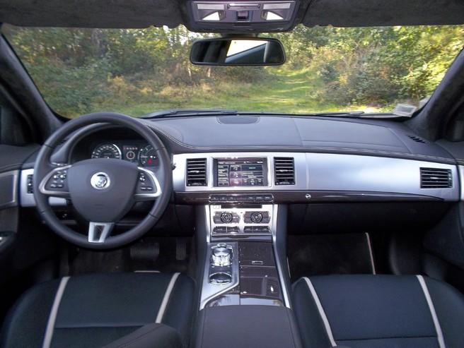 Essai - Jaguar XF 2.2 d 190 ch : démocratique