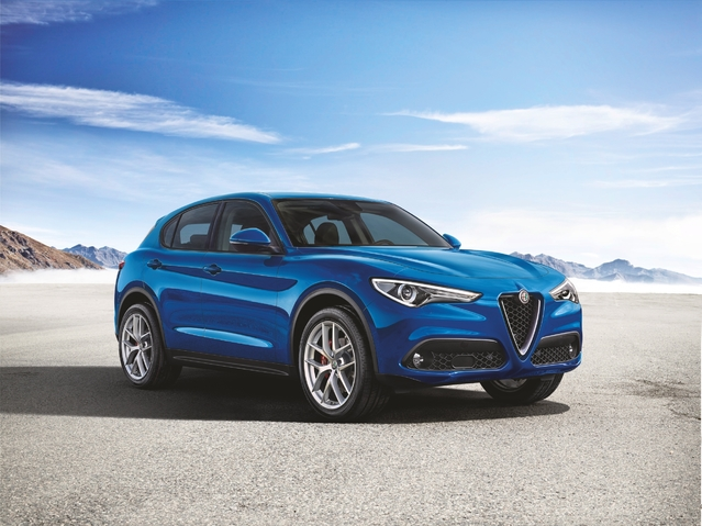 Alfa Romeo: le Stelvio poursuit sa descente en gamme