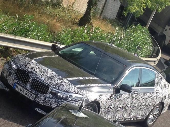 Scoop : la BMW Série 7 hybride se promène en Italie