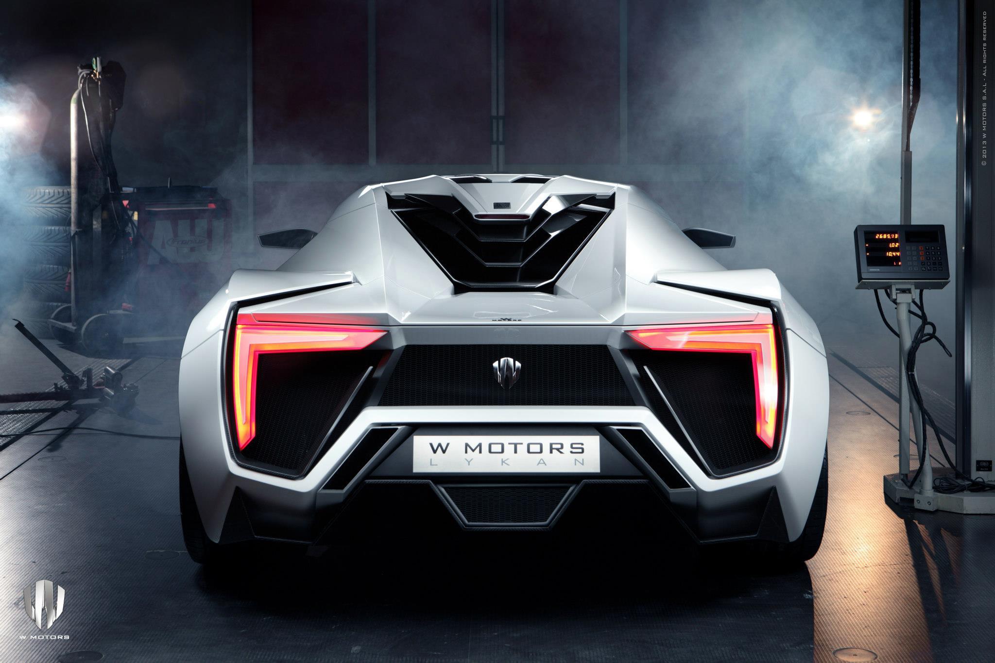 http://images.caradisiac.com/images/4/1/6/3/84163/S0-La-plus-chere-de-tous-les-temps-se-nomme-W-Motors-Lykan-Hypersport-284178.jpg