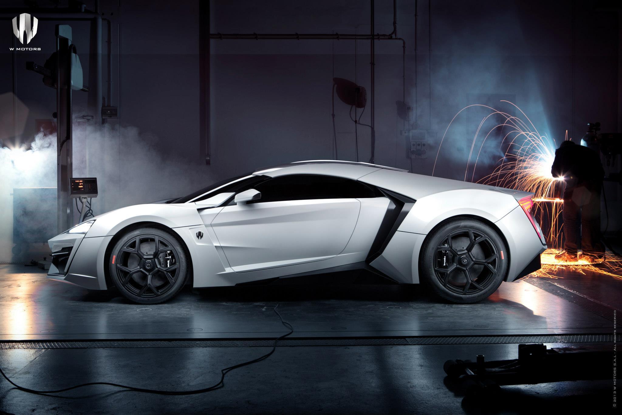 http://images.caradisiac.com/images/4/1/6/3/84163/S0-La-plus-chere-de-tous-les-temps-se-nomme-W-Motors-Lykan-Hypersport-284185.jpg