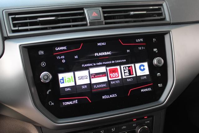 Les versions haut de gamme profitent d'un nouveau et performant système multimédia avec écran tactile de 8''.