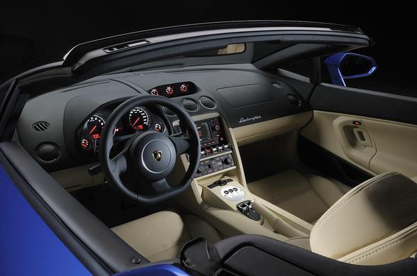 S7-Los-Angeles-2011-Lamborghini-Gallardo-LP550-2-Spyder-245487.jpg