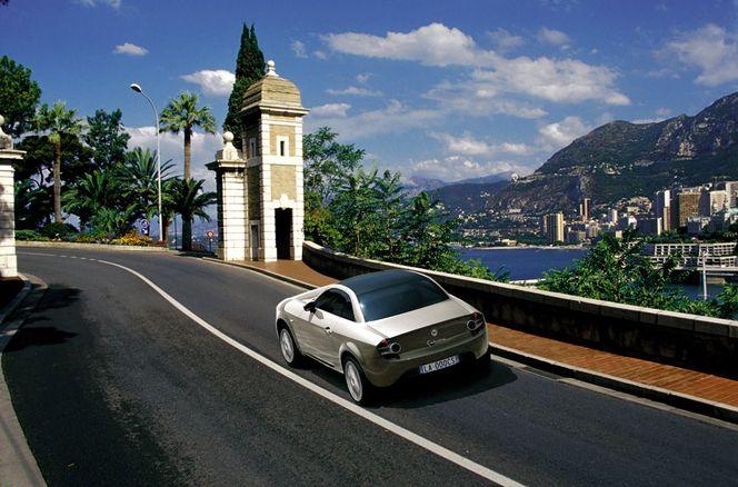 (Minuit chicanes) Accolez donc le nom de Lancia à celui de Lotus