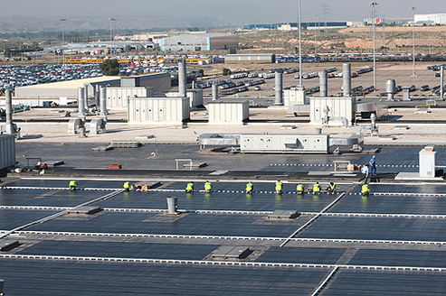 Une usine de GM Europe dotée de 85000 panneaux solaires !
