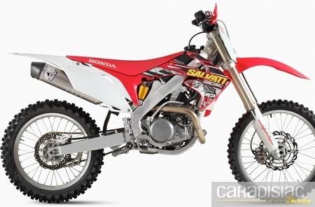 Mivv : échappement Stronger et boîtier pour la Honda CRF 450R.