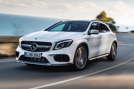 Mercedes propose une variante sportive du GLA, la 45 AMG dotée d'un quatre cylindres 2.0 turbo de 381 ch.
