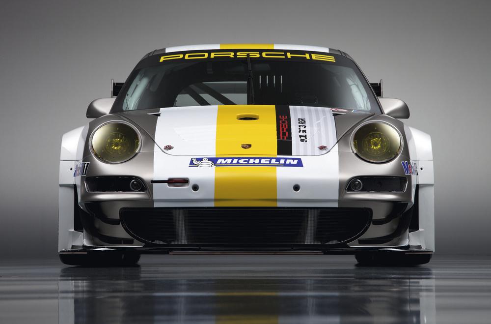 http://images.caradisiac.com/images/4/2/2/5/64225/S0-Porsche-presente-sa-nouvelle-911-GT3-RSR-207003.jpg