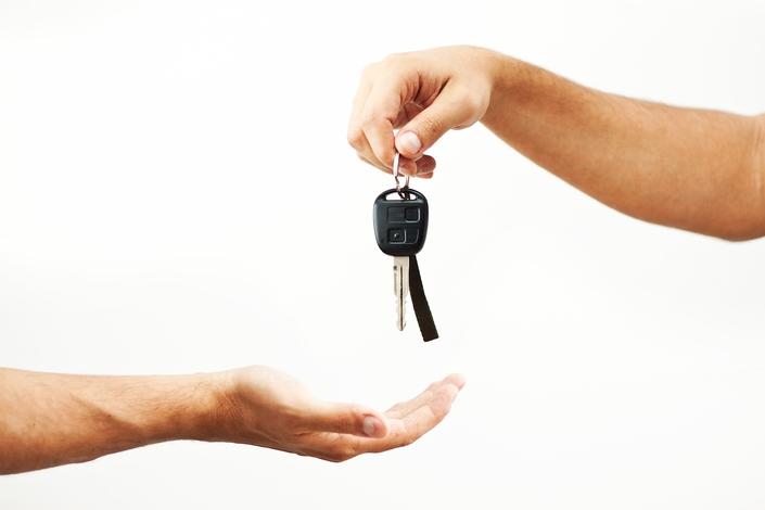 Alors que 74% des automobilistes français assurent être fidèles à tel ou tel constructeur, seuls 39% d'entre eux roulent dans une véhicule de la même marque que précédemment...