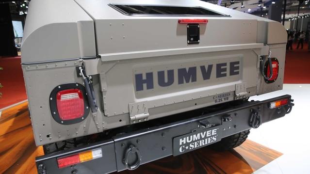 Le Hummer H1 fait son retour