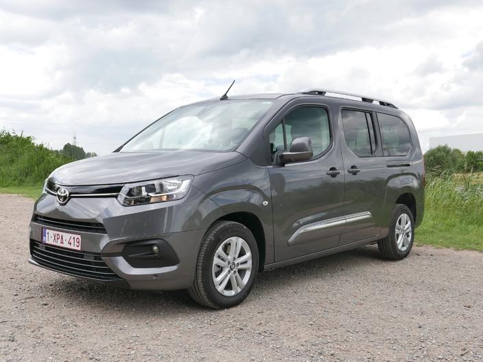 2018 - [Peugeot/Citroën/Opel] Rifter/Berlingo/Combo [K9] - Page 8 S1-essai-toyota-proace-city-verso-1-5l-d4-d-50-nuances-de-gris-635955