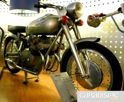 La  première 4 cylindres en 1950…