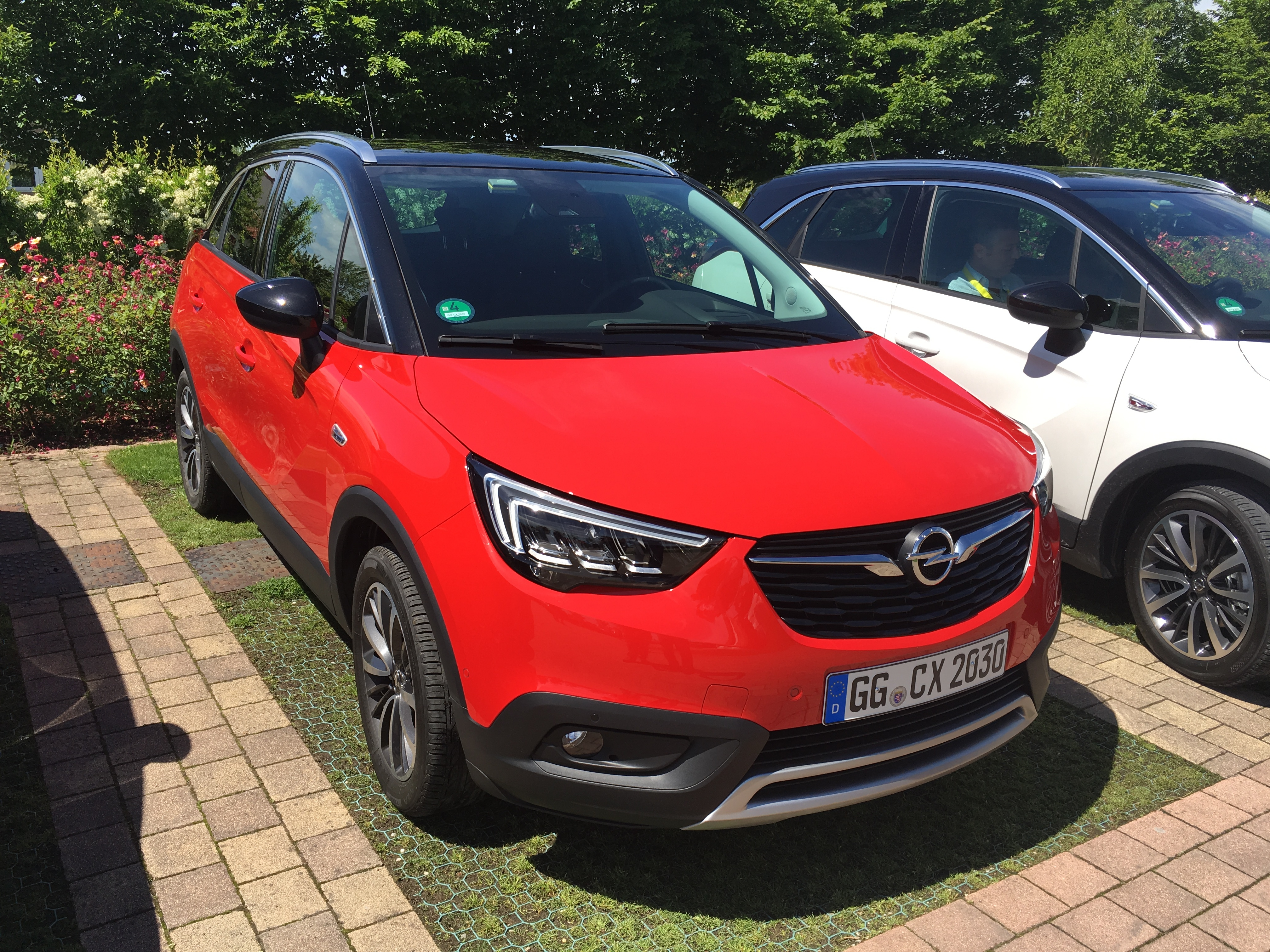 opel crossland x les premi res images de l 39 essai en live impressions de conduite. Black Bedroom Furniture Sets. Home Design Ideas