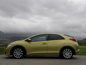 Essai vidéo - Honda Civic : une compacte en or ?