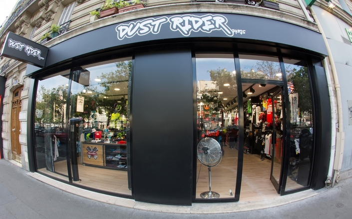 Dust Rider Paris: aujourd'hui c'est séance de dédicaces avec les pilotes internationaux
