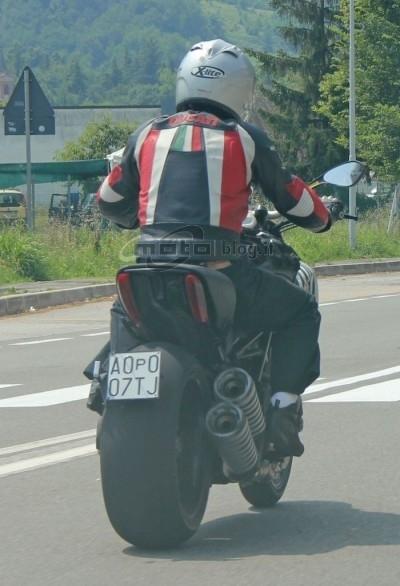 Actu : un big roadster selon Ducati pour 2011 ?