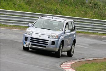 Record : le Nissan X-Trail FCV testé sur le circuit du Nordschleife