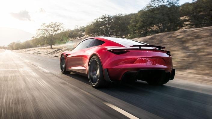 Quand tout va mal, Magic Elon sort de nouvelles Tesla de sa malle