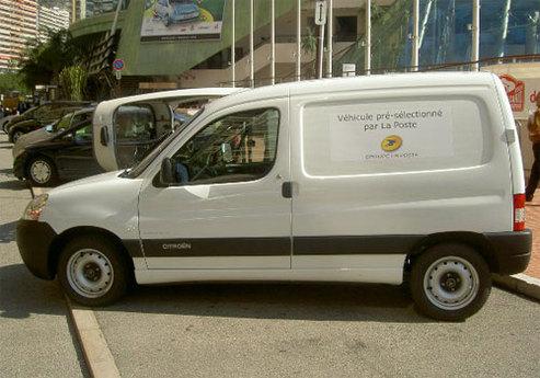 Deux prototypes de véhicules électriques livrés au Groupe La Poste