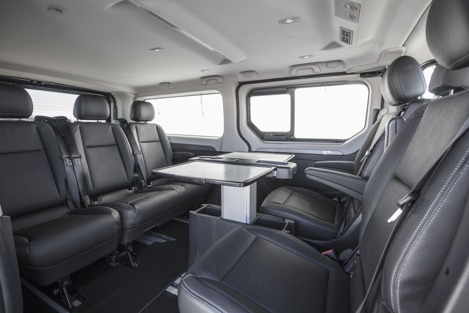 renault trafic spaceclass mont e en gamme sur la croisette. Black Bedroom Furniture Sets. Home Design Ideas