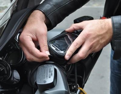 Votre iphone n'a plus peur de la pluie : la housse Ibike Rider.