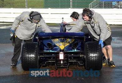 Formule 1: La R27 débusquée !