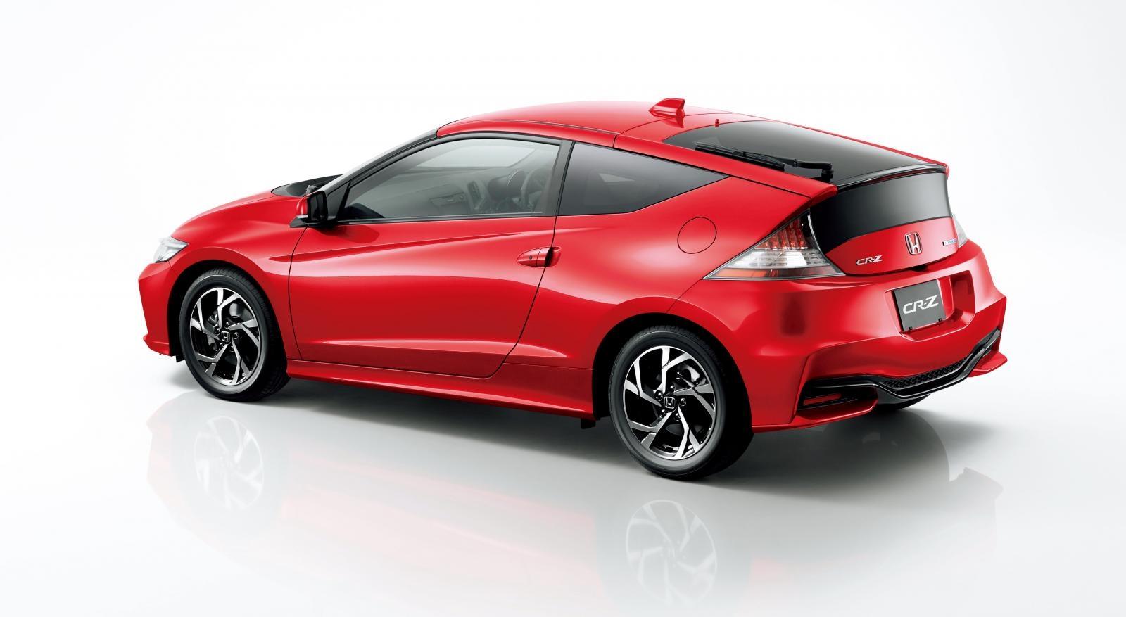 [Image: S0-Honda-officialise-le-restylage-du-CR-Z-360063.jpg]