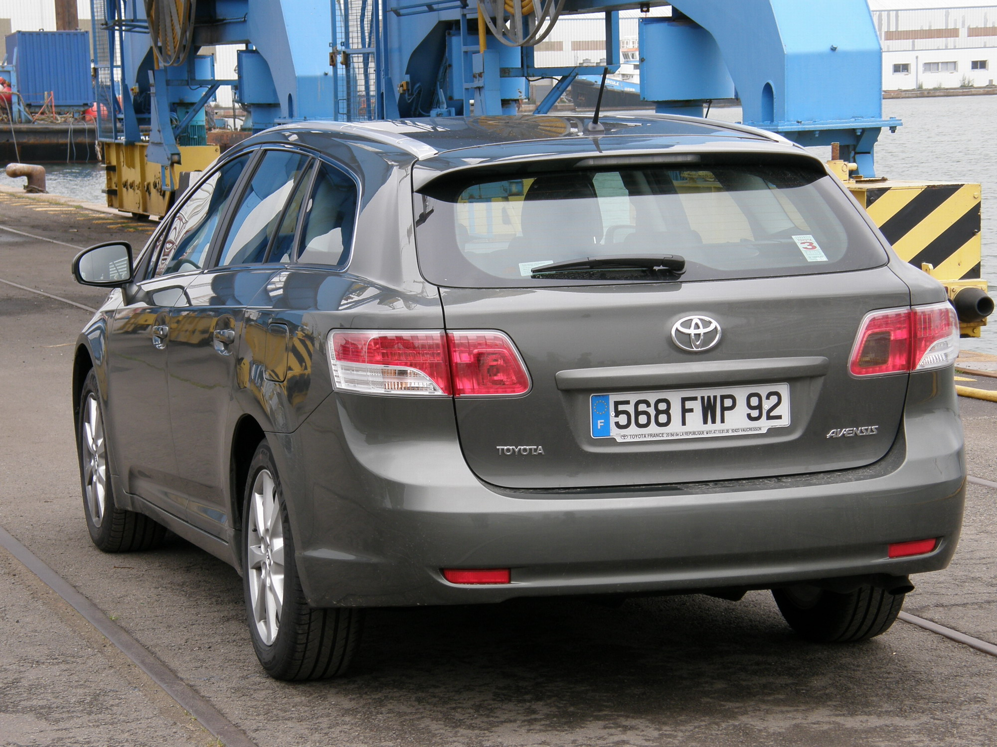 essai toyota avensis break 126