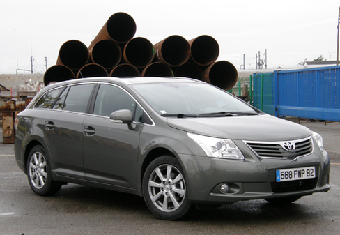 essai toyota avensis iii break 2 0 d 4d 126 ch l ombre de la prius iii. Black Bedroom Furniture Sets. Home Design Ideas