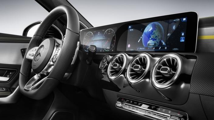 Nouvelle Mercedes Classe A: la planche de bord dévoilée