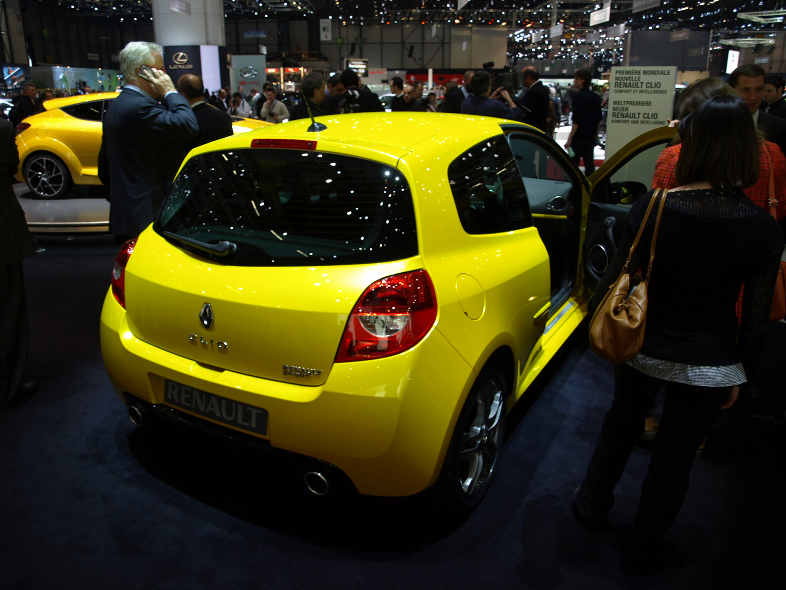 S0-Renault-Clio-RS-radicale-46842