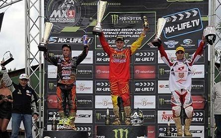 Motocross mondial : GP de République Tchèque, MX 1, victoire de Desalle ... mais Cairoli veille