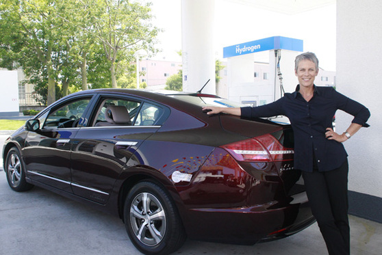 Une star américaine au volant de la Honda FCX Clarity à l'hydrogène