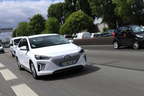 Hyundai Ioniq électrique - Une ergonomie et un aspect ludique dont tous les constructeurs devraient s'inspirer.