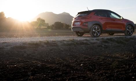 Hyundai Kona : la fermeté des suspensions et l'intérieur triste ternissent un ensemble pourtant joliment présenté.