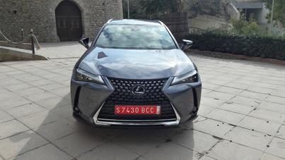Lexus UX : les premières images en direct de l'essai + nos premières impressions de conduite