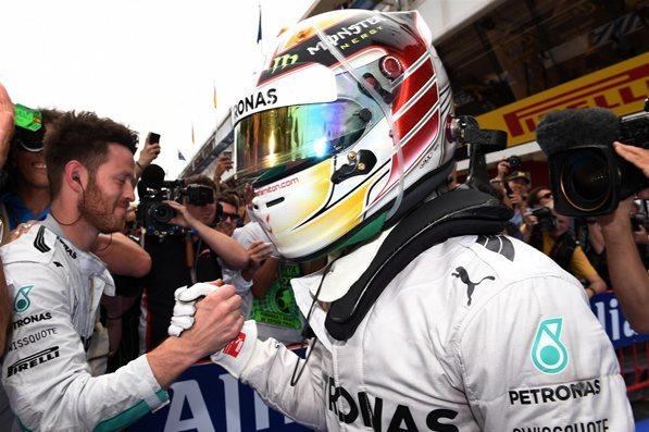 F1 - GP d'Espagne : Mercedes écrase la concurrence, Hamilton prend la tête