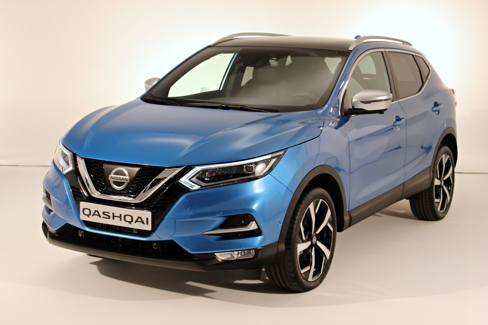 pr sentation vid o le nissan qashqai restyl 2017 en d tail. Black Bedroom Furniture Sets. Home Design Ideas