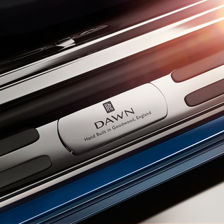 Salon de Francfort 2015 : Rolls Royce montre une partie du cabriolet Dawn