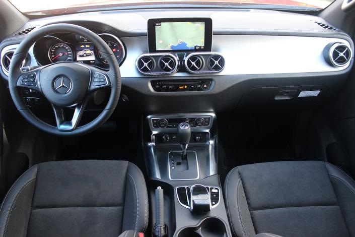 Le Mercedes Classe X arrive en concession : l'utilitaire des cadres supérieurs