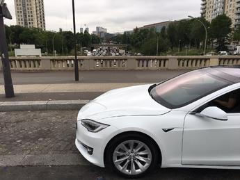 Vidéo Live - La Tesla Model S à l'épreuve du périph' parisien : peut-on dépasser les 600 km en une seule charge ?