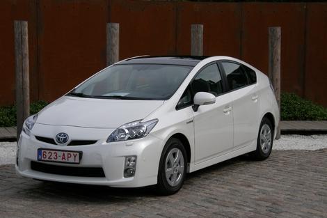 Lancement en 2009 Moteur essence : 4 cylindres, 1.8 Puissance totale combinée : 136 ch Accélération 0 à 100 km/h : 10,4 s Consommation (cycle mixte) : 3,9 l/100 km Poids : 1 370 kg