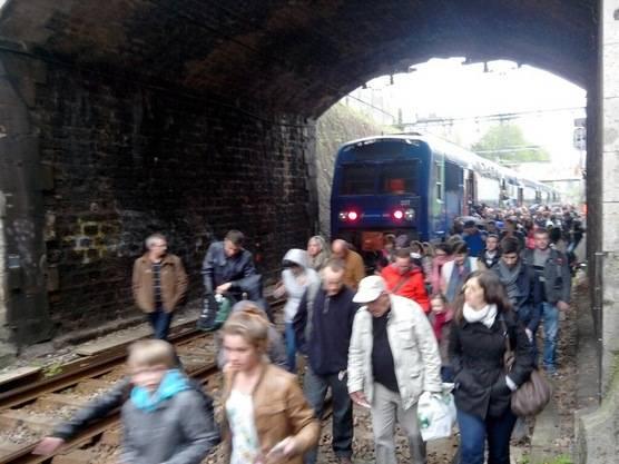 L'autocar et le covoiturage tueront-ils le train ?