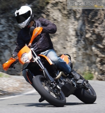 Essai Shoei XR1100 : inspiré du haut de gamme.