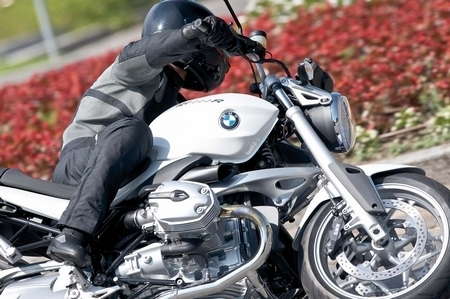 BMW R 1200R : Un blanc Alpin au catalogue 2008