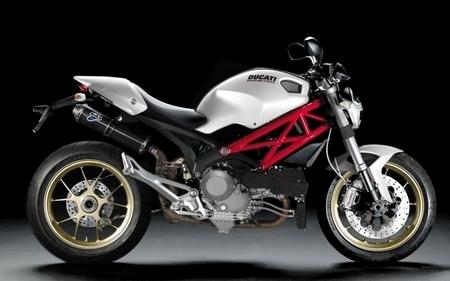 Ducati : Un Monster 1100 au salon de Milan !?