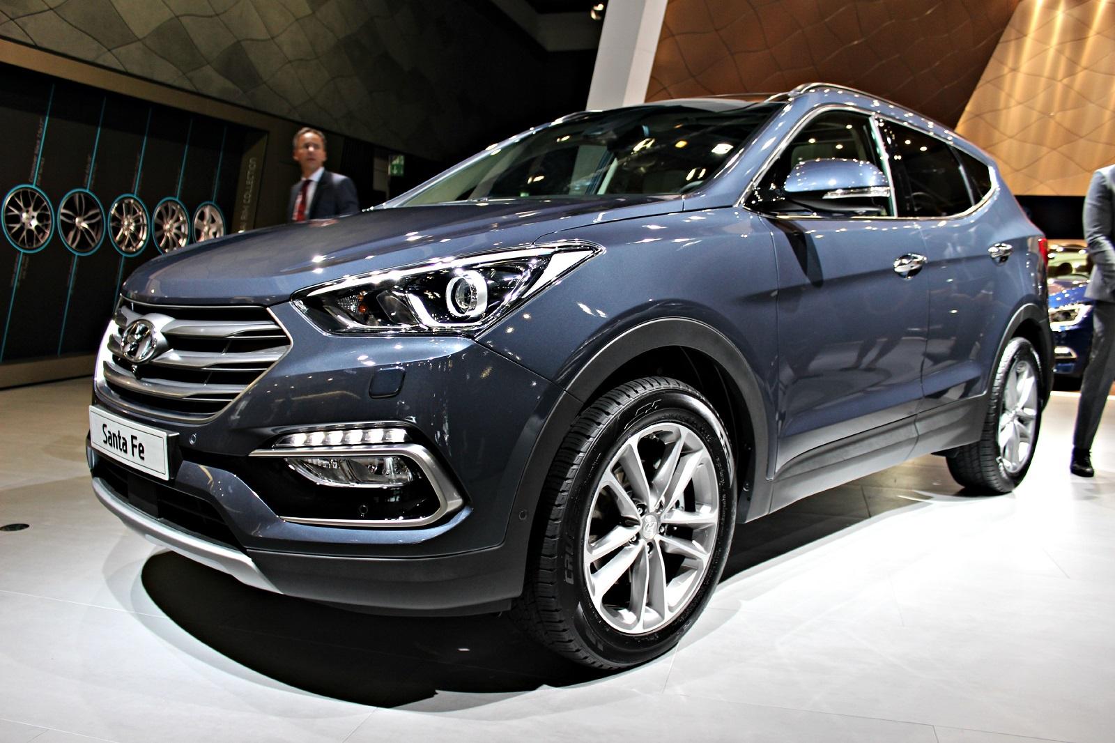 Hyundai santa fe restyl l ger repoudrage vid o en for Prix entree salon du bourget 2015