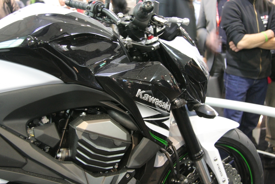 En direct de Cologne: La Kawasaki Z800 montre ses crocs